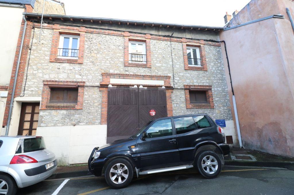 Ensemble immobilier au centre de Montargis
