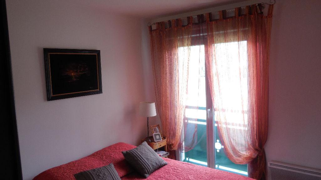 Bel appartement F4 en bord de seine à Mantes Le Jolie