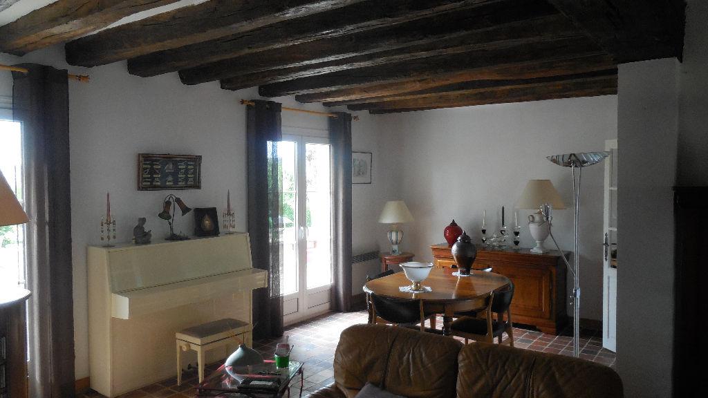 Magnifique Maison de 6 piéces, 140 m2 à Guernes