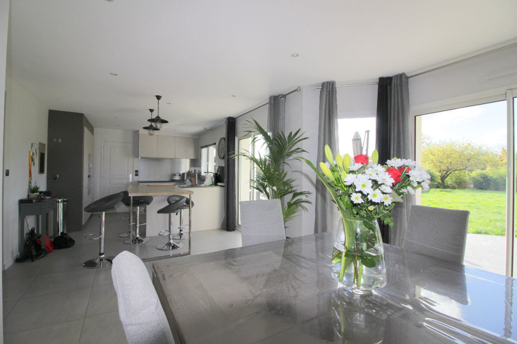 Maison PLOEREN 8 pièce(s) 130 m² environ