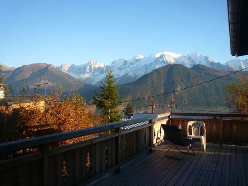 Maison avec terrasse de 40 M2 face au Mont-Blanc, 4 chambres