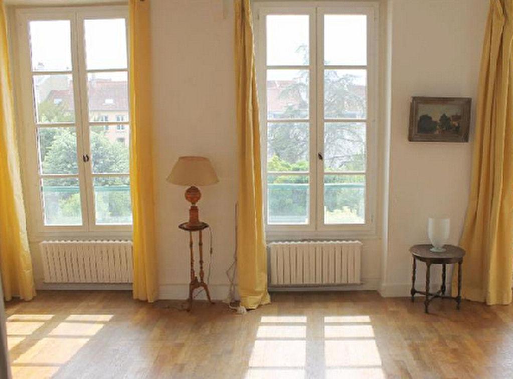 Immobilier saint germain en laye chambourcy st nom la for Appartement atypique saint germain en laye
