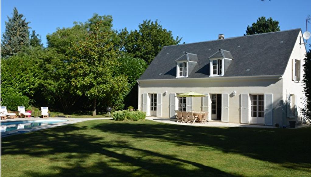 Location Maison ST NOM LA BRETECHE 7P.