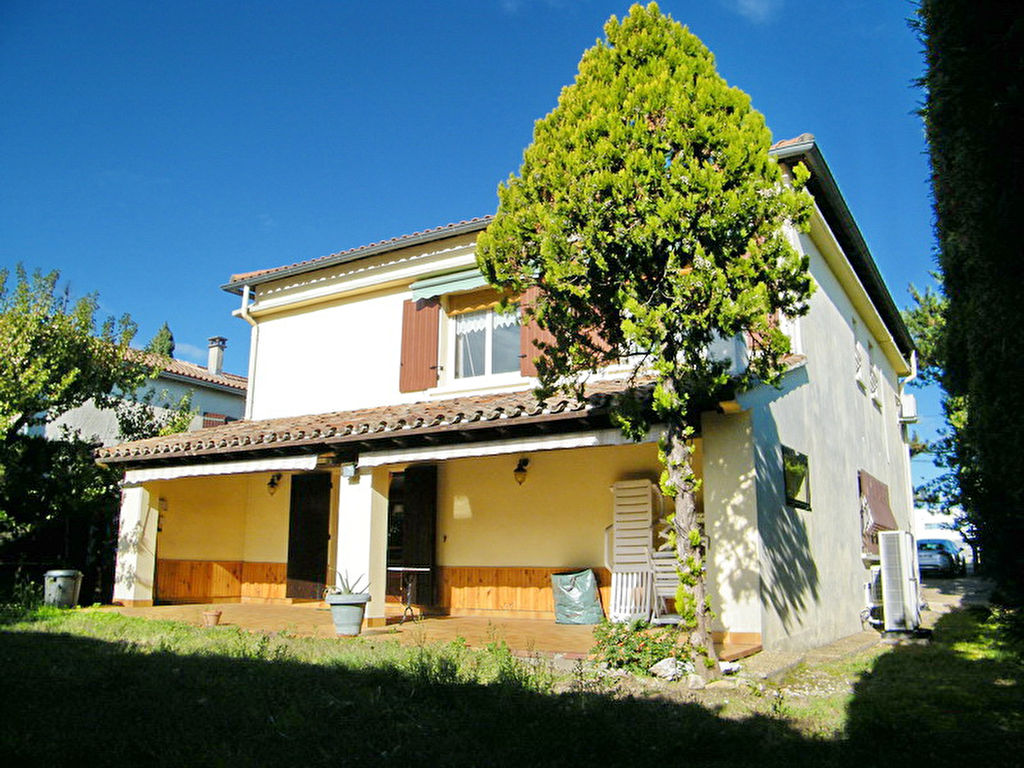 Maison St-Christol-Les-Alès 140 m2 habitable terrain 819 m2 Idéal profession libéral