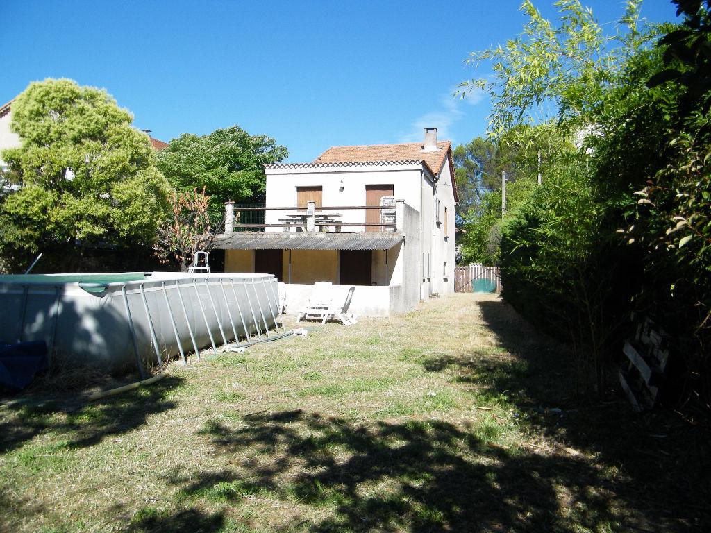 Maison 121 m2 5 chambres terrain 811 m2 garage 69 m2