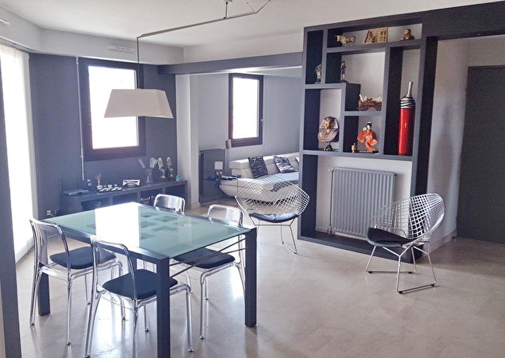 Alès appartement  4 pièces 97.38 m2 terrasse vue dégagée