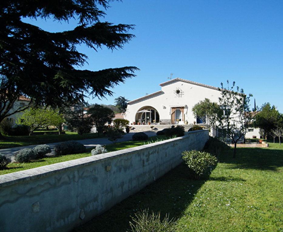 Alès villa 233 m2 secteur calme 2 appartements type 5 et 2 terrain 3 091 m2