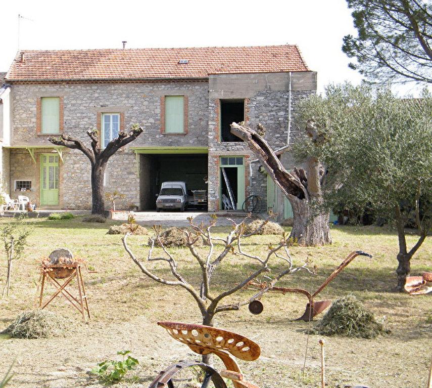Maison secteur Lédignan env. 154 m2 terrain 1032 m2 6 chambres combles aménageables