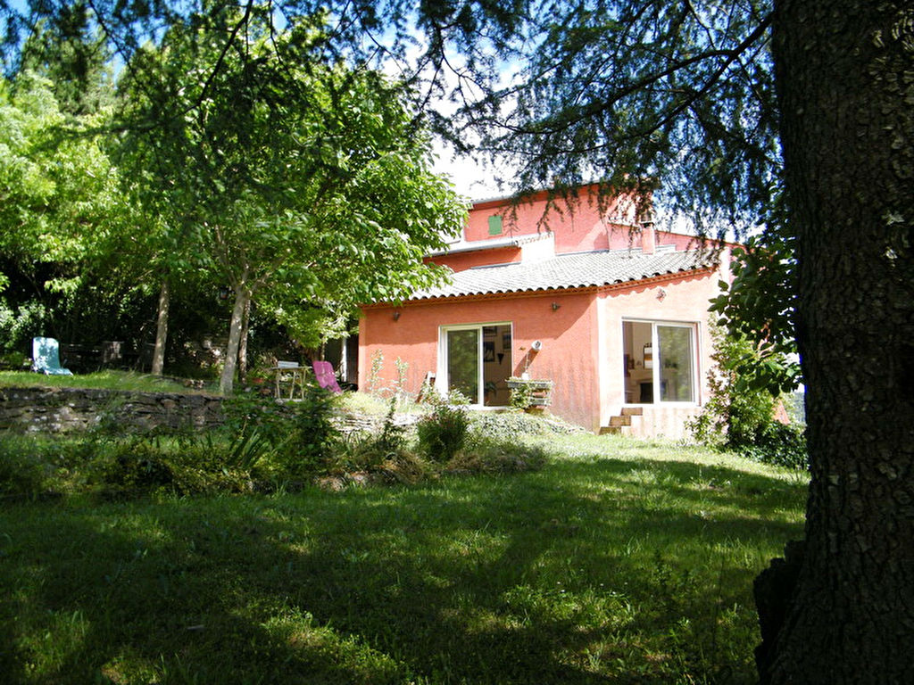 Maison type 6 terrain 4320 m2 au calme