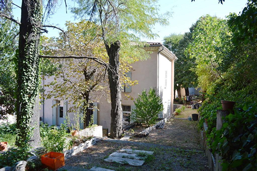 Maison  de ville Alès 8 pièces 222.60 m2 habitable terrain 1 564 m2