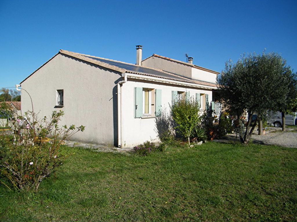Villa  7 pièces 145 m2  avec appartement indépendant Terrain 1066 m2