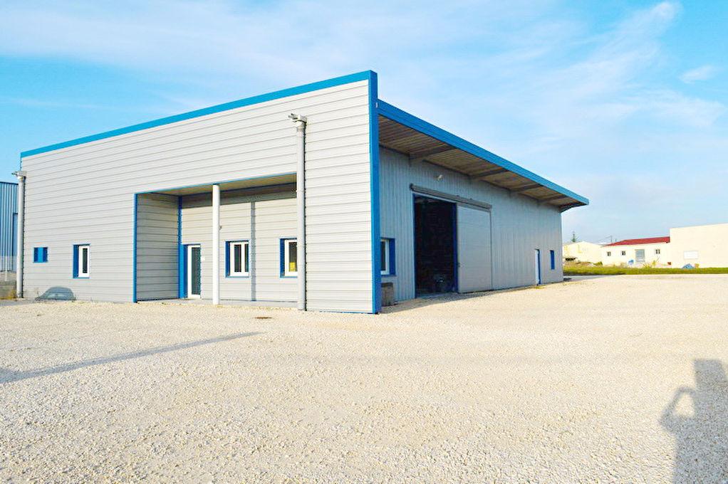 Entrepôt / local industriel Ales 566 m2 terrain 2400 m2