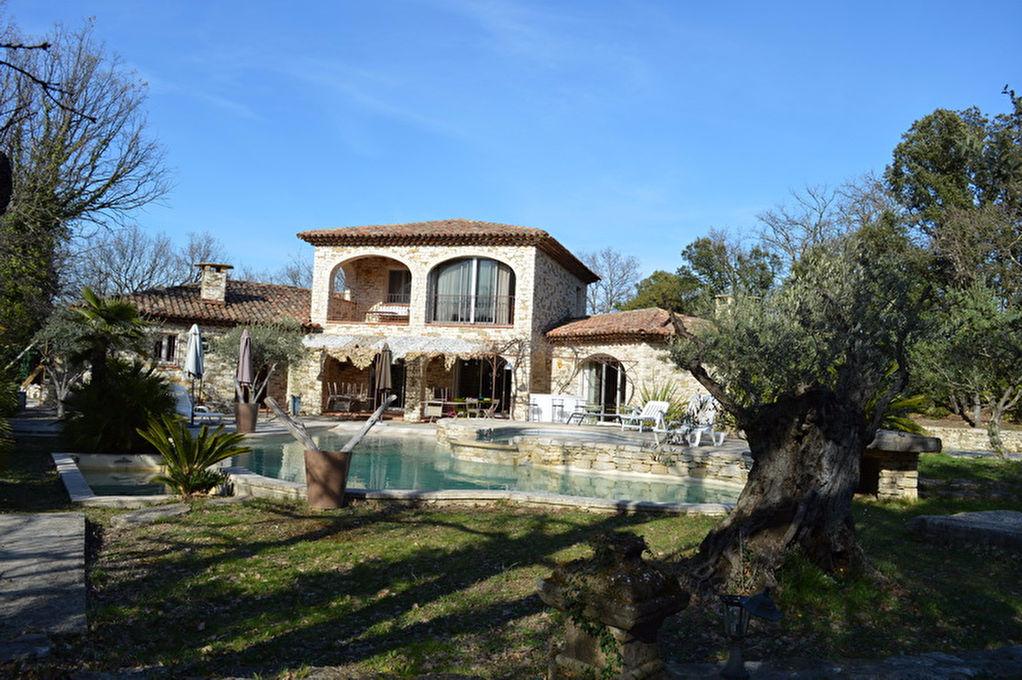 Sud d'Alès villa en pierre 184 m2 au calme terrain 2123 m2 piscine à débordement