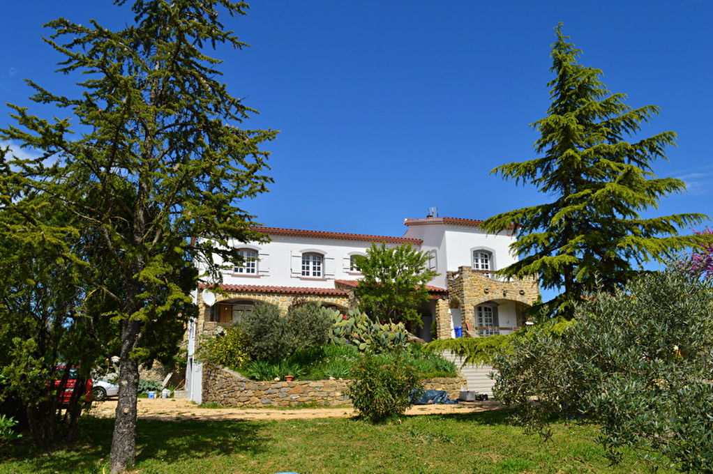 Villa  8 pièces 195 m2 au calme terrain 2420 m2