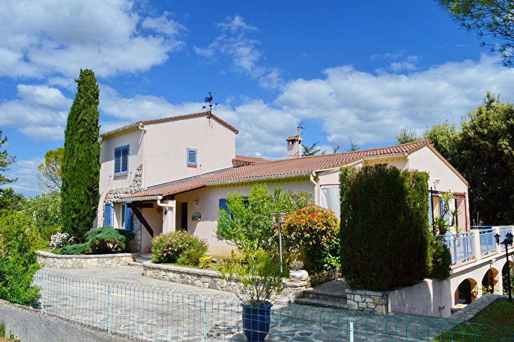 Villa Rousson type 6 avec appartement ind. type 2  242 m2 hab. terrain 2120 m2