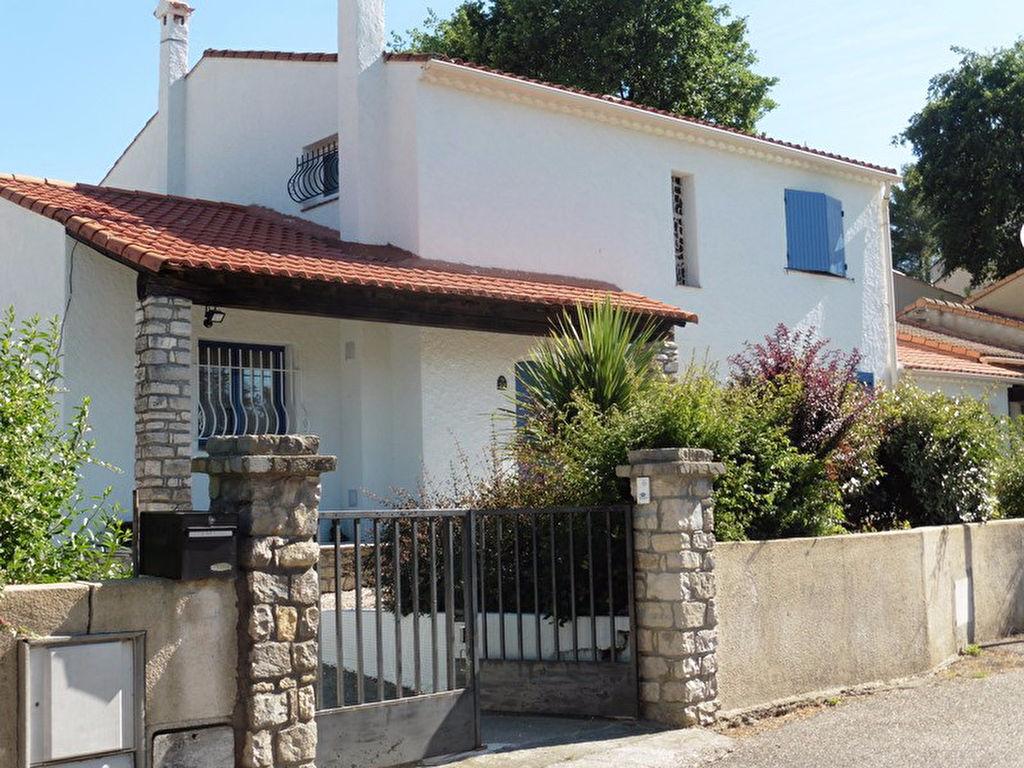 Alès  villa  type 5 de 154 m2 habitable