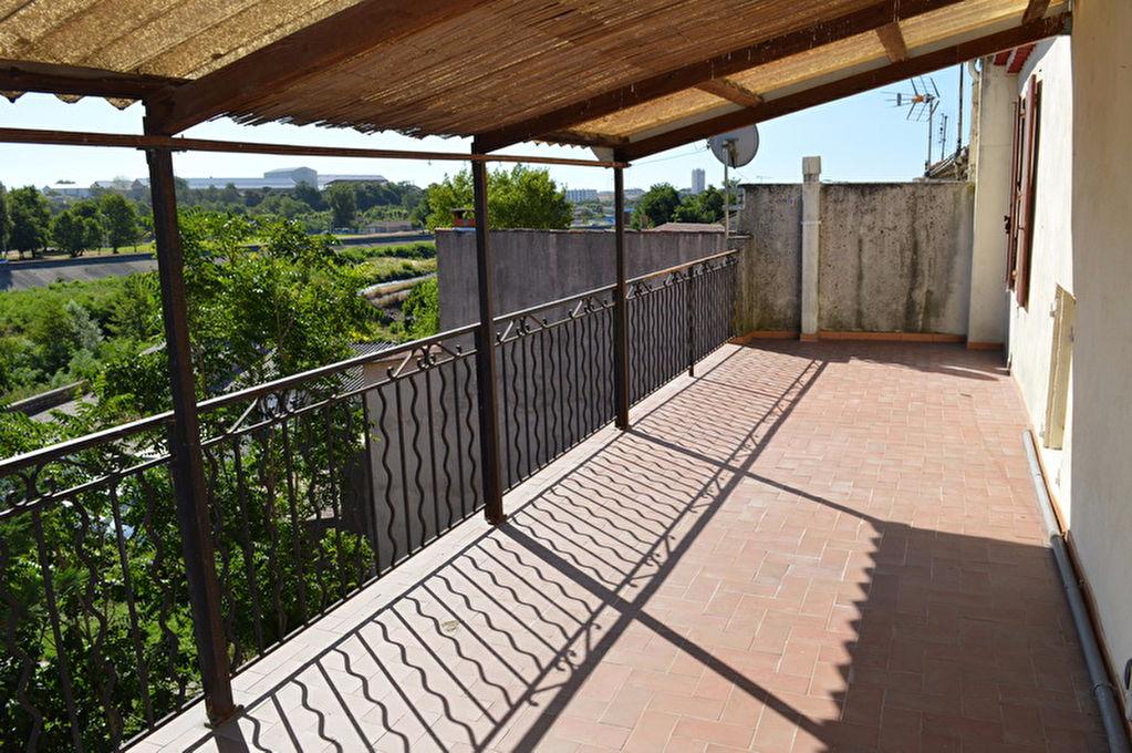 Appartement Ales 3 pièces 78 m2 terrasse 30 m2