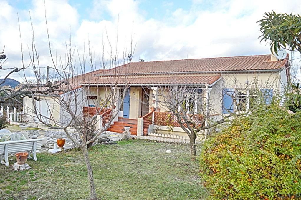 Maison  5 pièces 105 m2 habitable terrain 1349 m2