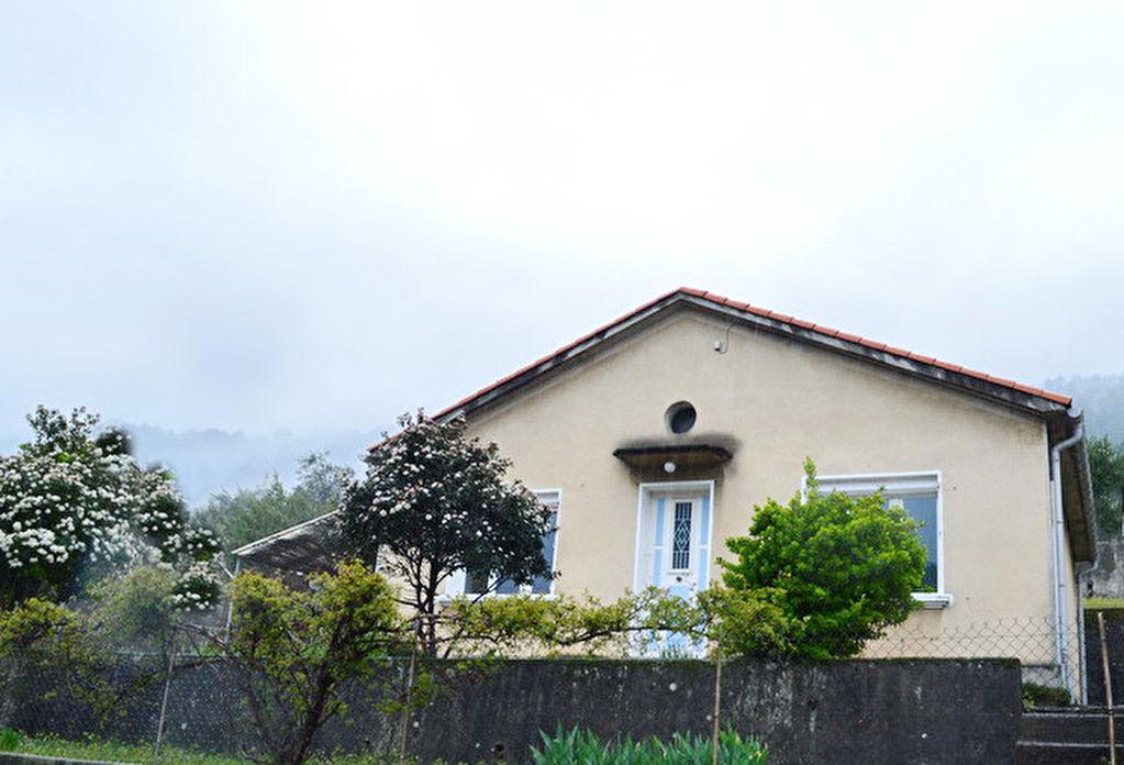 Nord d'Alès maison  type 3 terrain 685 m2
