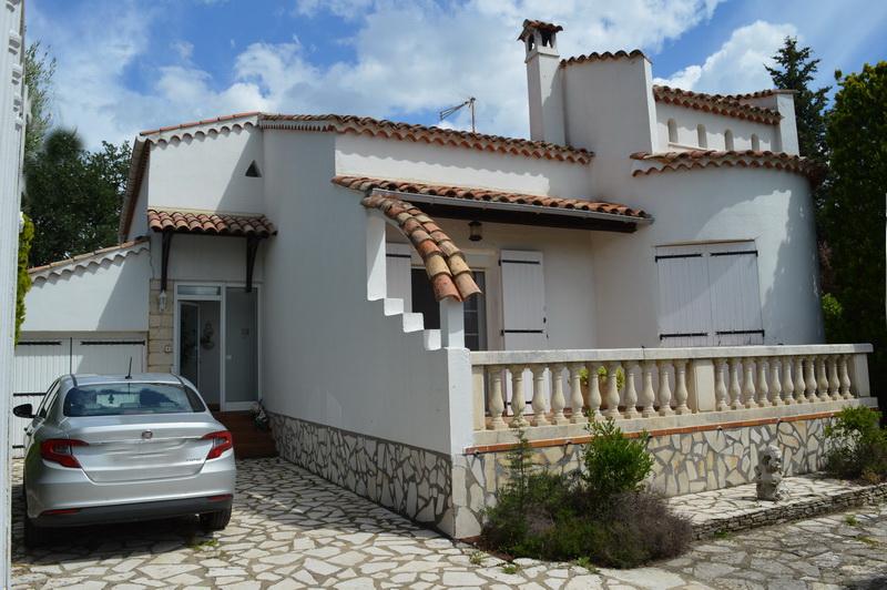 Maison type 4 terrain 1108 m2