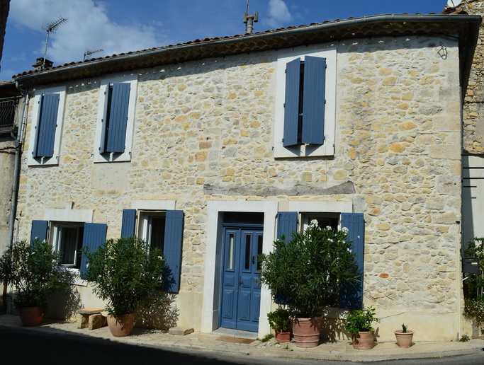Maison de village en pierre 4 pièces 120 m2 terrasse