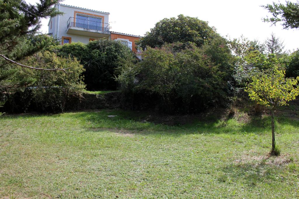 Villa Mons 7 pièces  vue imprenable terrain 1651 m2 piscine