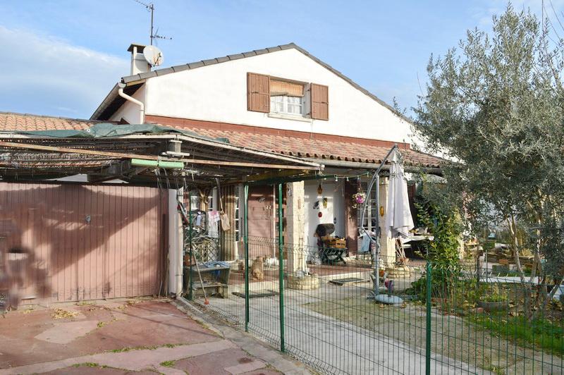 Maison  6 pièces 115 m2 terrain  459 m2