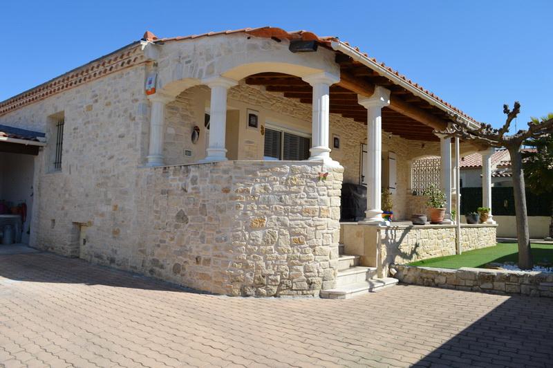 Maison  4 pièces 102 m2  terrain 400 m2