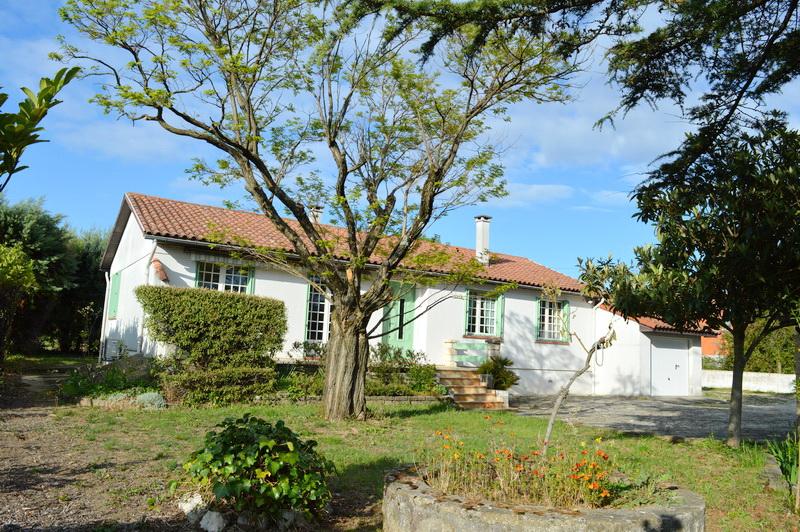 Maison Rousson 4 pièces 101 m2 terrain 2198 m2 au calme