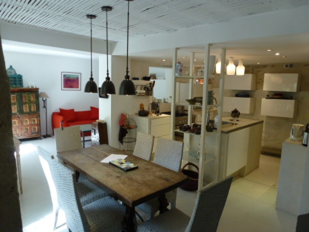 EXCLUSIVITE, MAISON DE VILLAGE 170 m² AVEC JARDIN CENTRE HISTORIQUE DE VILLENEUVE