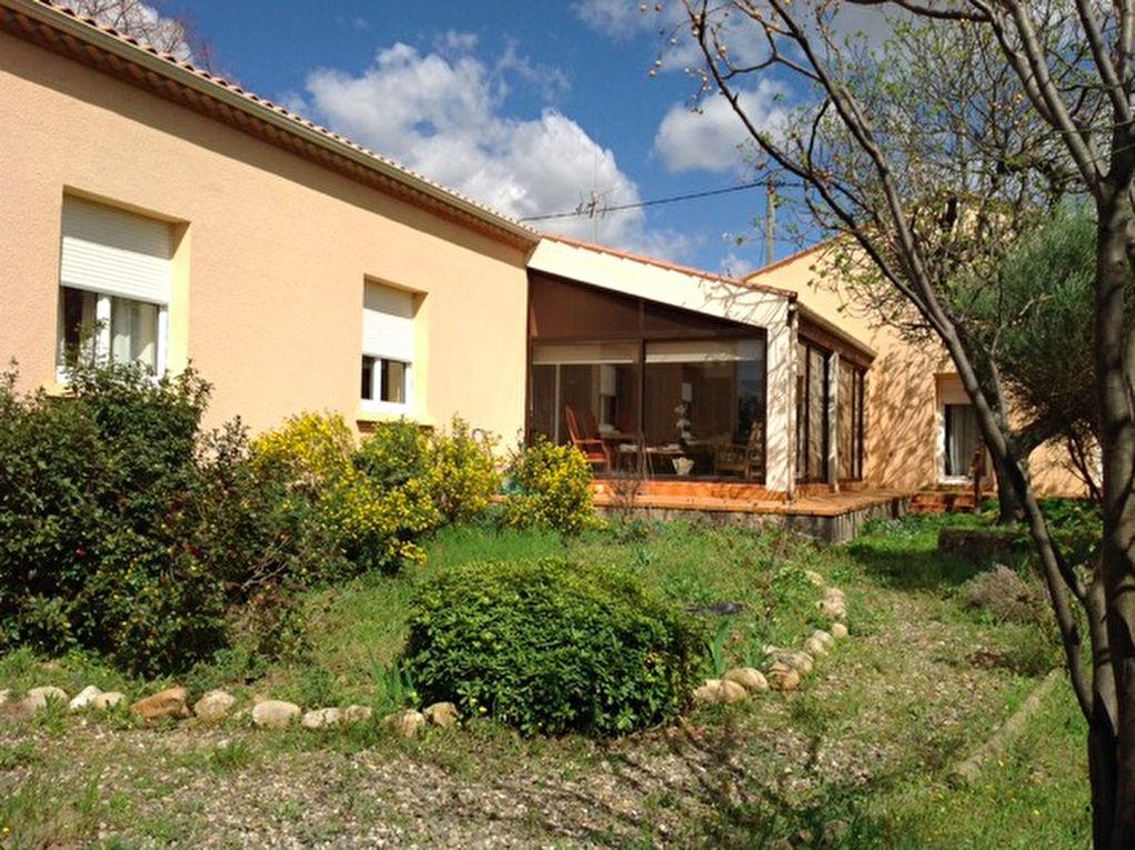 Villa Lignan Sur Orb 6 pi�ce(s) 190 m2