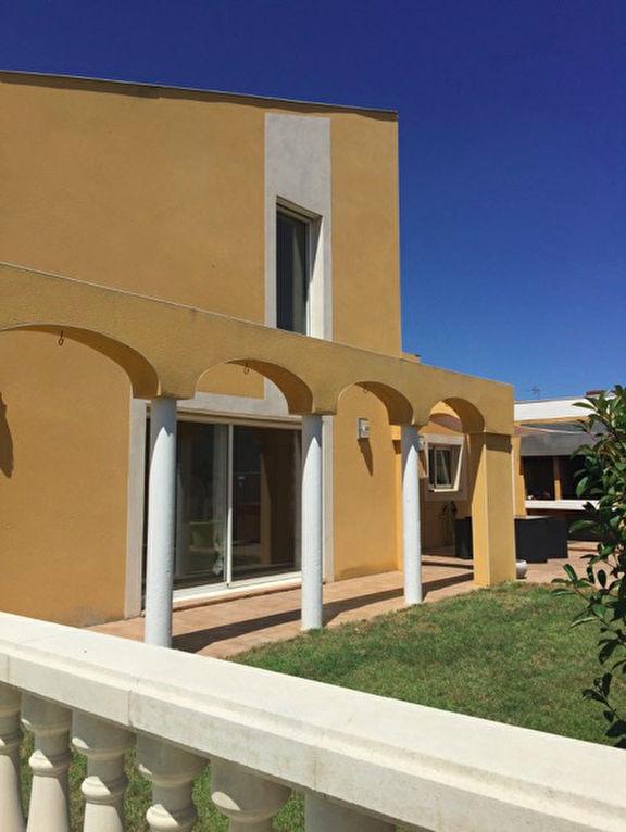 Villa Thezan Les Beziers 210 m2