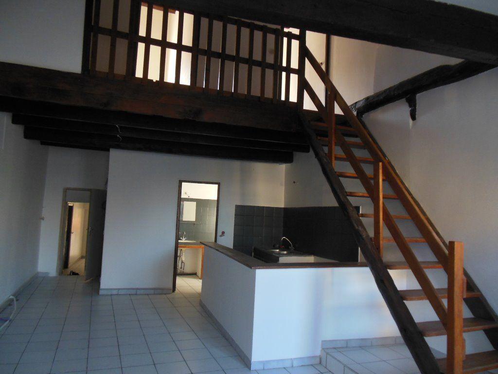 Appartement 84500 Bollene 2 pièce(s) 61 m2