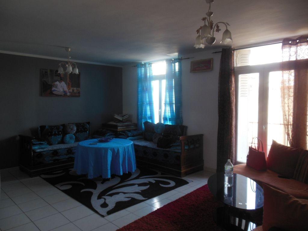 Appartement Pont Saint Esprit 3 pièce(s)