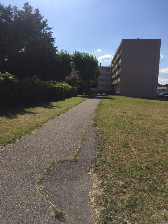 Appartement 30130 Pont Saint Esprit 4 pièce(s)
