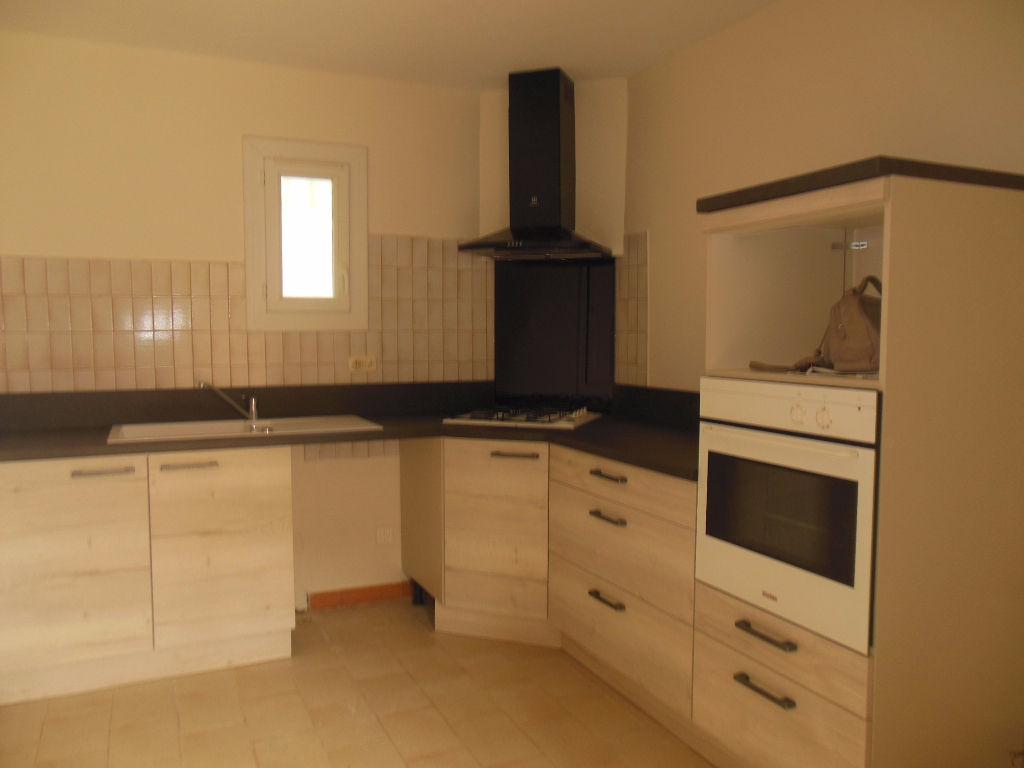 Maison 84500 Bollene 3 pièce(s) 82 m2