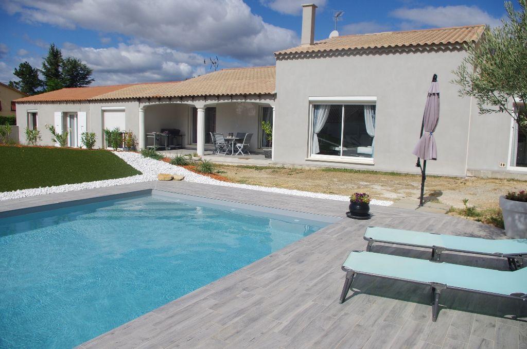 Villa 84500 Bollene 8 pièce(s) 204 m2