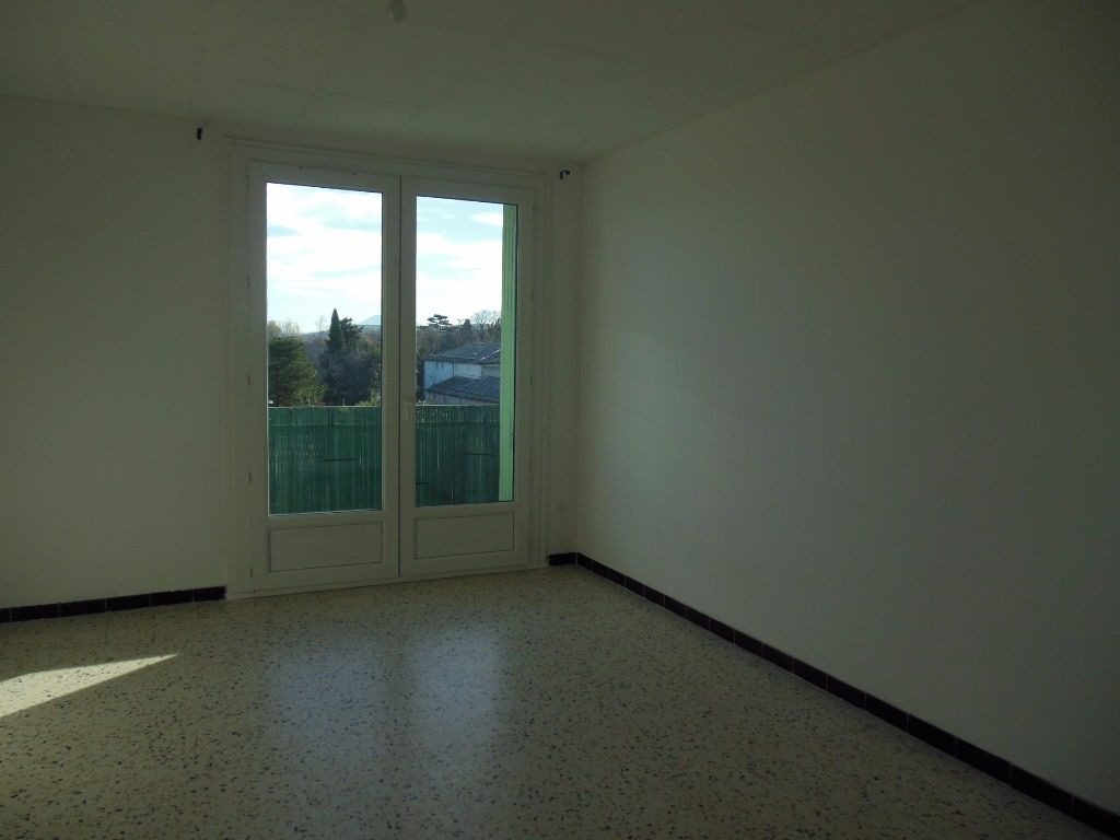 Appartement 84500 Bollene 3 pièce(s) 57 m2