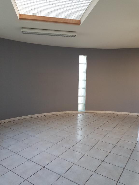Local d'activité 84500 Bollene 10 pièce(s) 229 m2