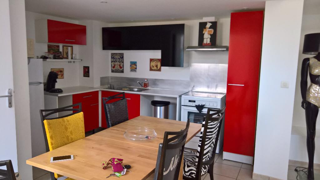 Appartement Mornas 3 pièce(s) 73 m2