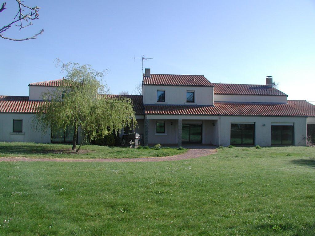Belle propriété  sur 3124m² de terrain