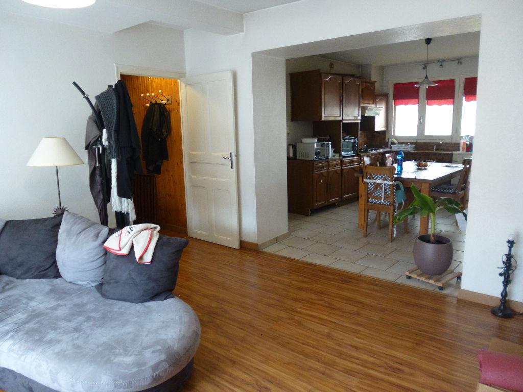 Maison T5 avec appartement T2bis, loués
