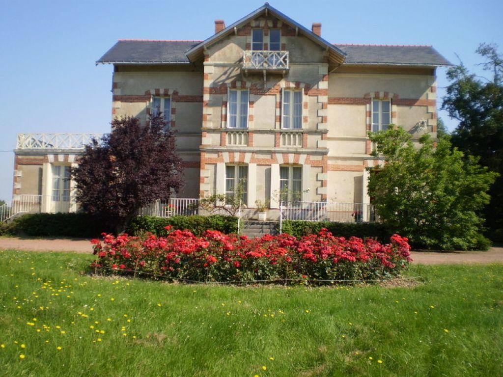 Grande maison bourgeoise sur + de 2 hectares