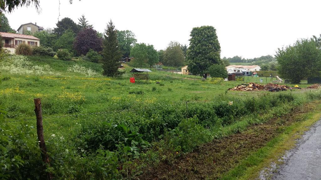 Terrains à Batir à Fontenay Le Comte