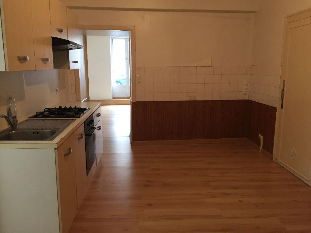 Appartement Bressuire 2 pièce(s) 52 m2
