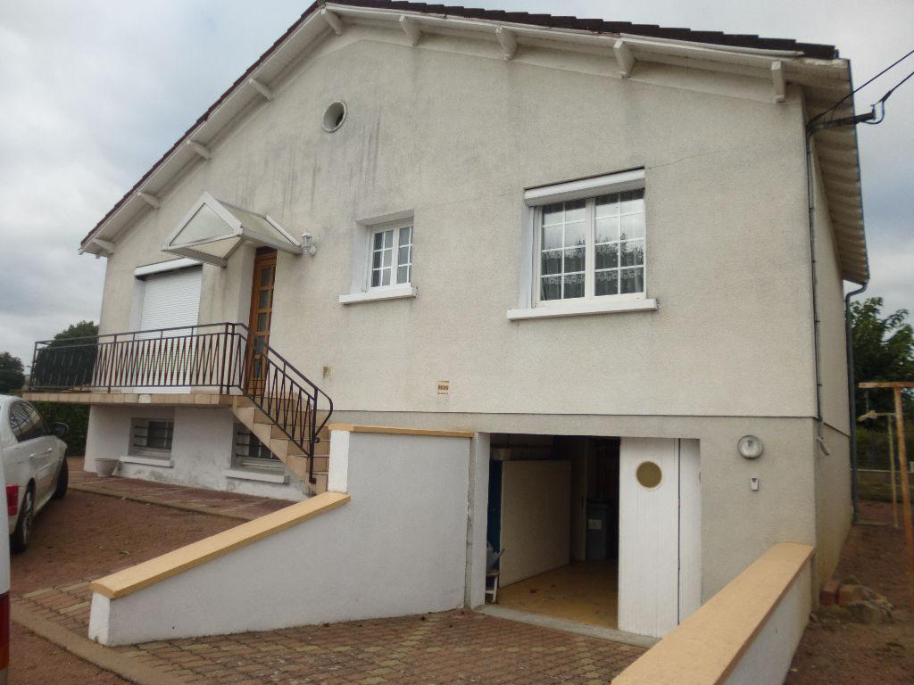 Maison 3 chambres sur 800 M² de terrain