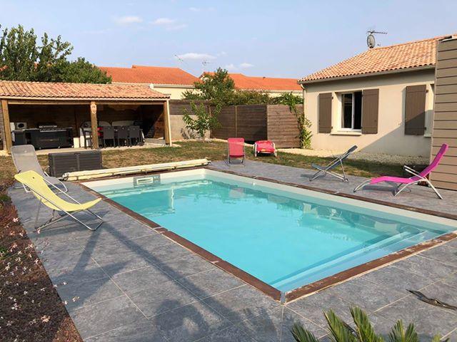 CHAMBROUTET - Joli pavillon plain-pied avec piscine chauffée