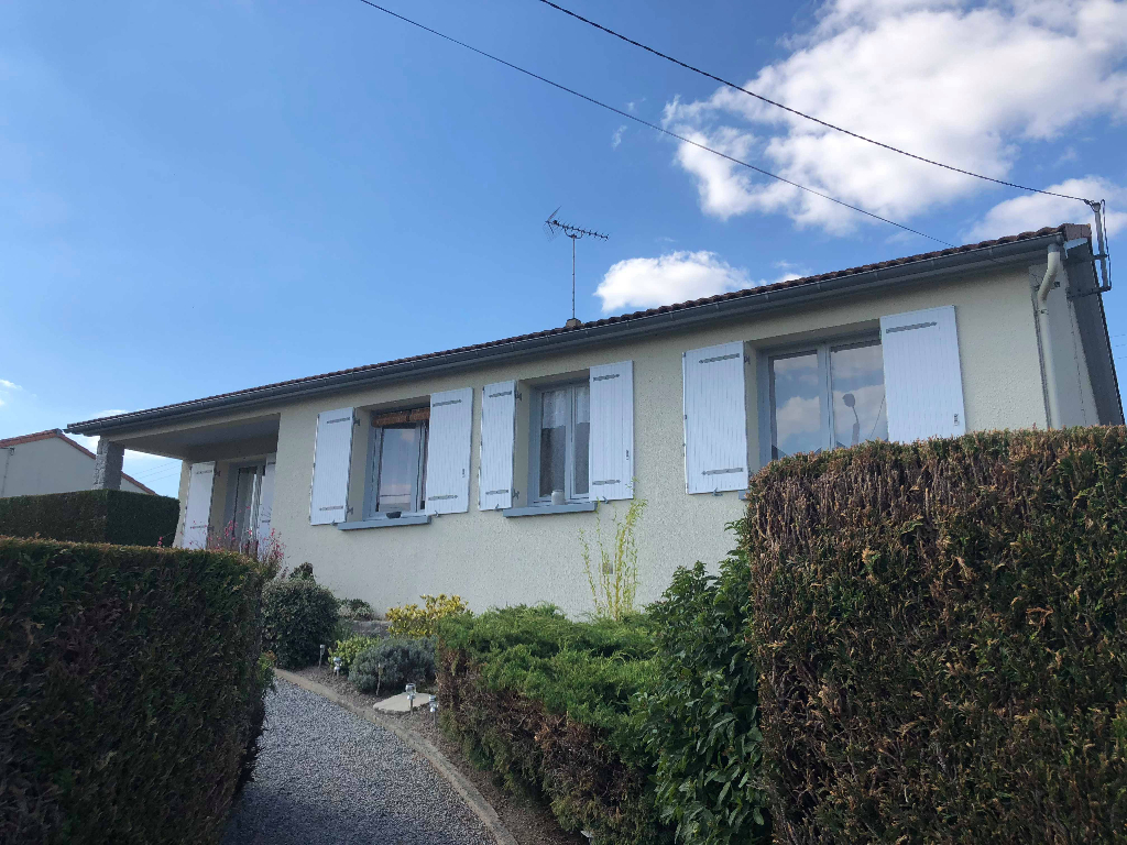 St Aubin Le Cloud- Jolie maison
