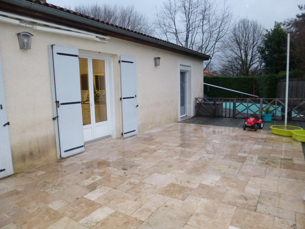 COURLAY - Belle maison avec piscine