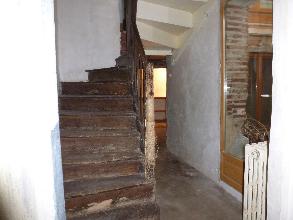 Maison de 5 pièces dans le centre historique de Cahors avec terrasse